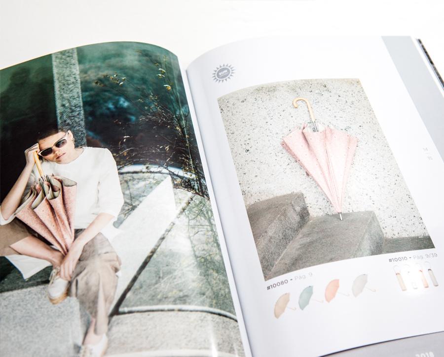 Sombrillas Ezpeleta. Interior de catálogo paraguas Ezpeleta diseñado por Lombok.